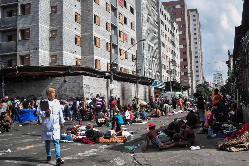 tédio, pobreza e o vicio